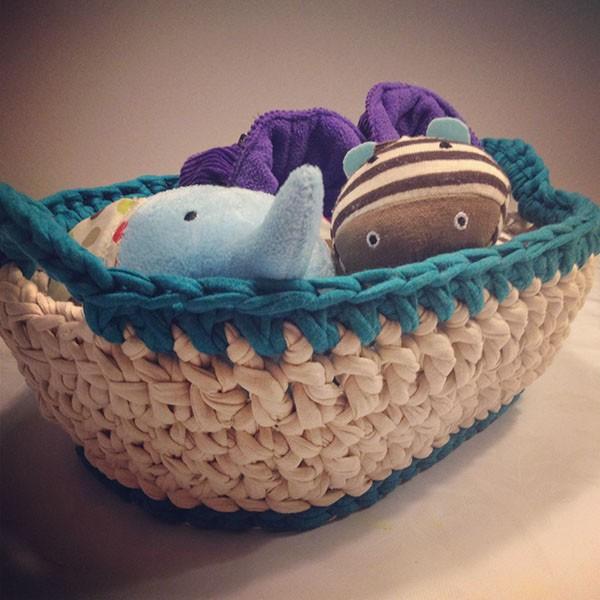 bymami opskrift hæklet oval kurv stofgarn zpaghetti DIY | crochet pattern basket