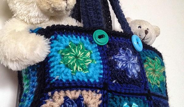 bymami diagram hæklet taske bedstemorfirkant DIY gratis opskrift hækle hæklet crochet pattern grannysquare garnrester scrap bag