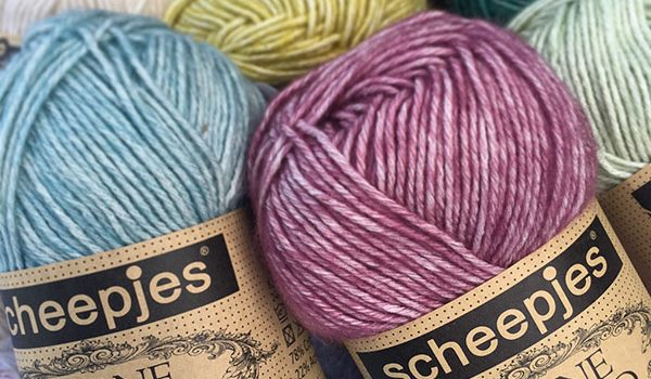 bymami bymamidk hækleblog blog hækle hæklet crochet crocheted diy opskrift pattern gratis free freebies hæklede kreativ krea hånd håndarbejde håndlavet handmade vest poncho sweater trøje stonewashed scheepjes lækkert garn