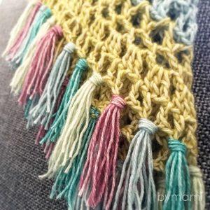 bymami bymamidk hækleblog blog hækle hæklet crochet crocheted diy opskrift pattern gratis free freebies hæklede kreativ krea hånd håndarbejde håndlavet handmade vest poncho sweater trøje stonewashed scheepjes lækkert garn frynser fringe